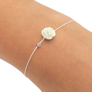 UniformSize_Hand_White_Rose