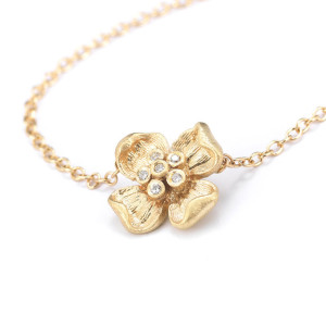 multi-diamond flower necklace in yellow gold